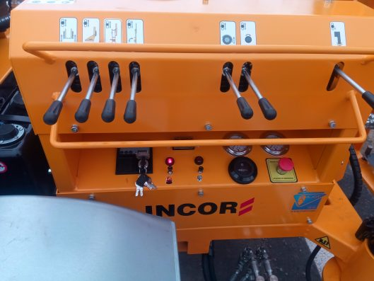 Poste de conduite H90R-2500